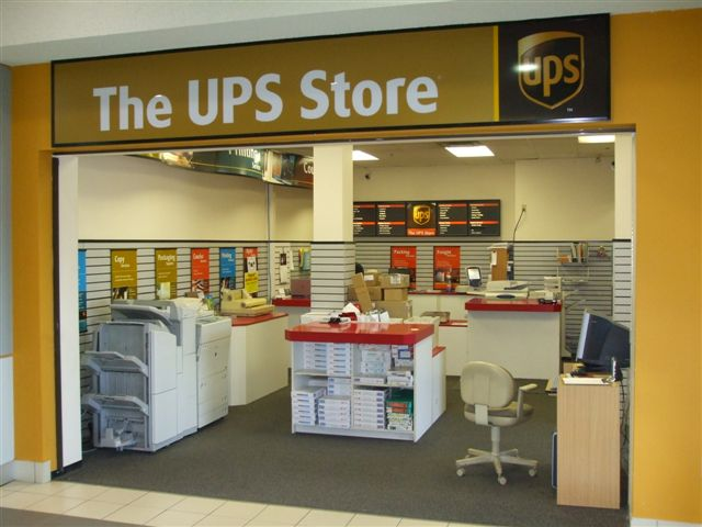 UPS Store Store Front